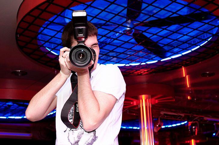 чуют силу, настройки фотоаппарата для съемки в ночном клубе денисова профессиональная актриса